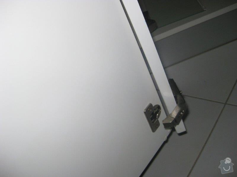 Opravy nábytku - kuchyn, vest. skříň: IMG_4047