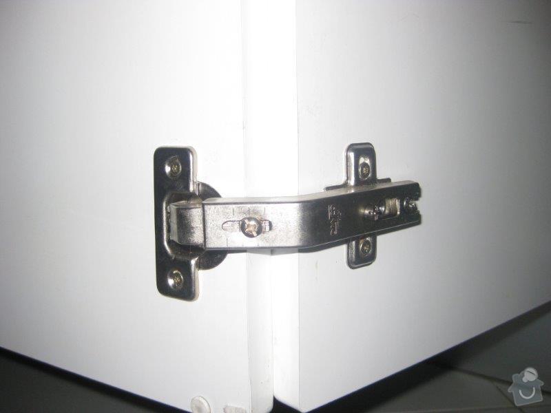 Opravy nábytku - kuchyn, vest. skříň: IMG_4049