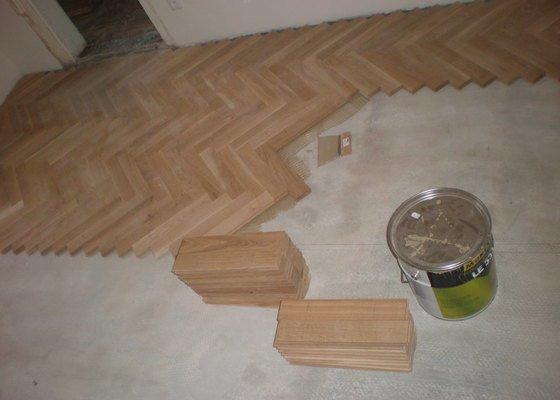 Renovace parket,vyrovnání podkladu stěrkováním.pokládka nových parket vč.broušení a lakování lakem Bona Mega