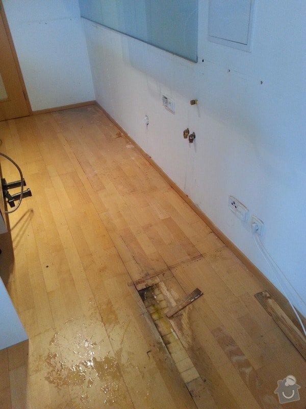 Malirske prace byt 125m2, oprava drevene plovouci podlahy a  zakryti odtahu digestore sadrokartonovym kastlikem: 20131118_113550