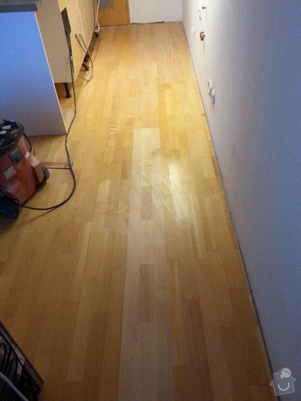 Malirske prace byt 125m2, oprava drevene plovouci podlahy a  zakryti odtahu digestore sadrokartonovym kastlikem: 20131119_101706