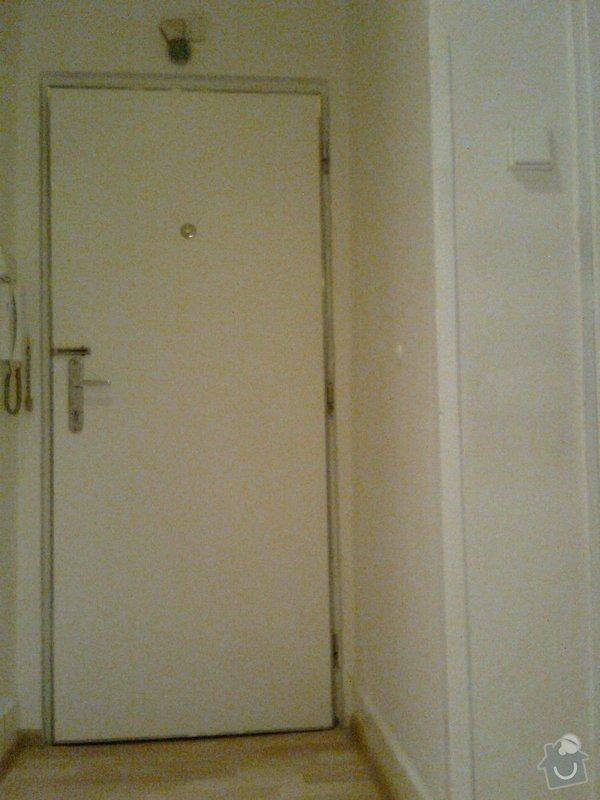 Očalounění bezpečnostních vchodových dveří do bytu: Fotografie0891