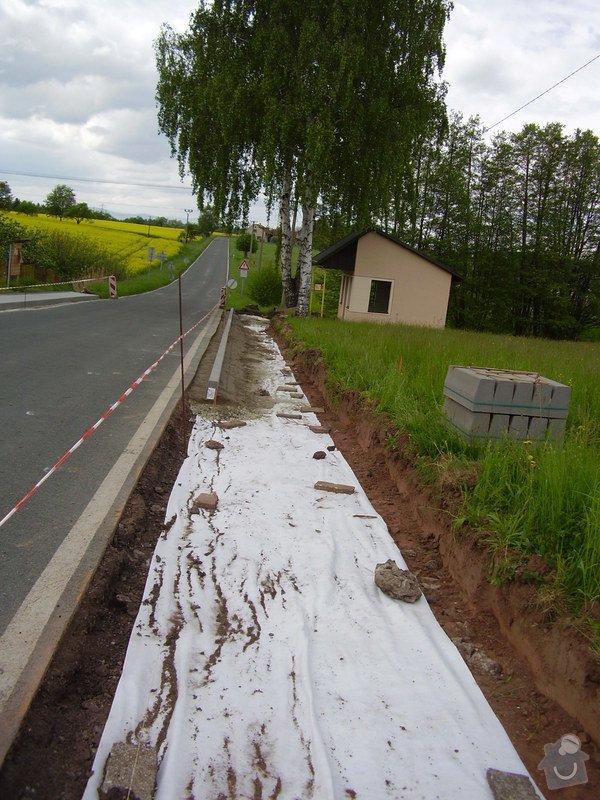 Chodníky obec Zábrodí: P8220049