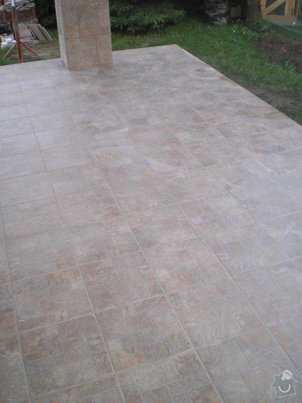 Provedení obkladů a dlažeb v novostavbě RD: P6280054