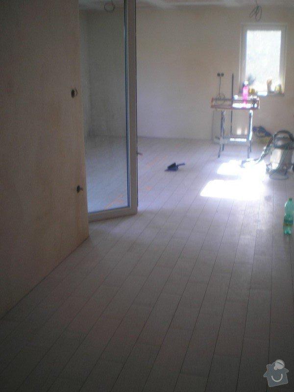 Provedení obkladů a dlažeb v novostavbě RD: P6130004