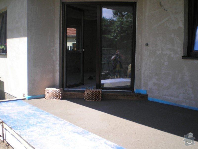 Provedení obkladů a dlažeb v novostavbě RD: P6140015
