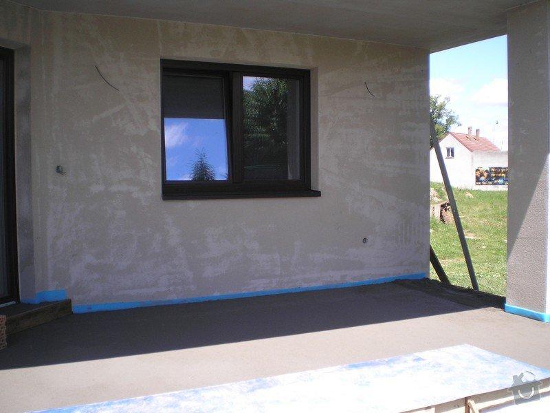 Provedení obkladů a dlažeb v novostavbě RD: P6140016