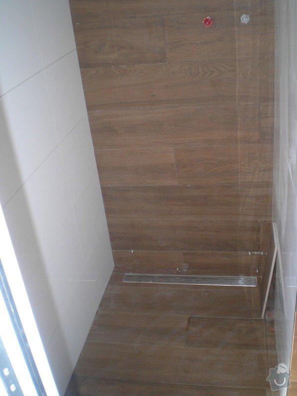Provedení obkladů a dlažeb v novostavbě RD: P6200033