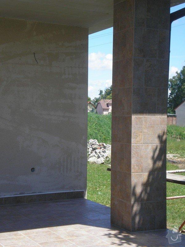 Provedení obkladů a dlažeb v novostavbě RD: P7010059