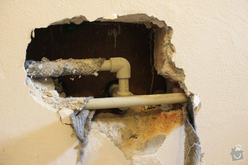 Zazdění díry ve zdi po odstranění havárie vody.: IMG_4388