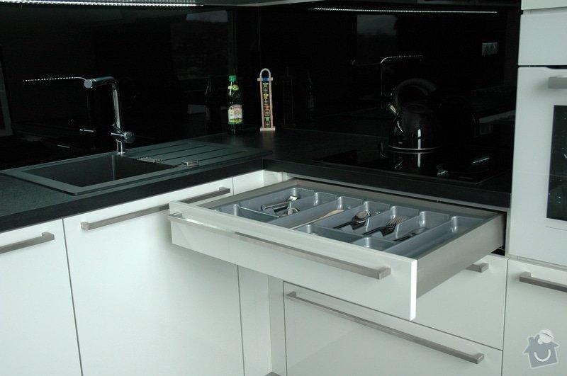 Realizace kuchyňské linky: kuchyn_Rot_Punkt_Durica_006