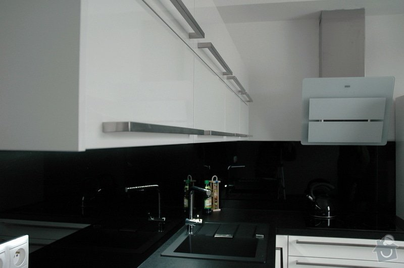 Realizace kuchyňské linky: kuchyn_Rot_Punkt_Durica_008