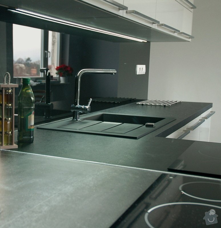 Realizace kuchyňské linky: kuchyn_Rot_Punkt_Durica_010