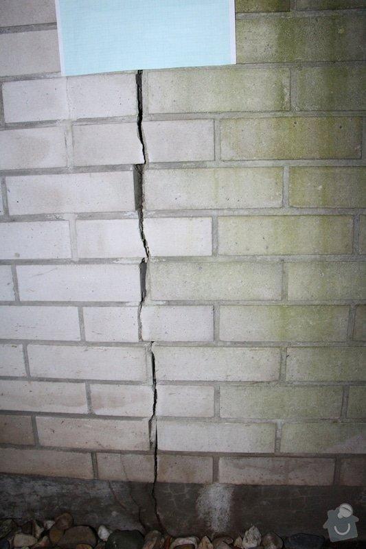 Vyplnění poprskaných spár v cihlové zídce a opěrné zdi: IMG_7505