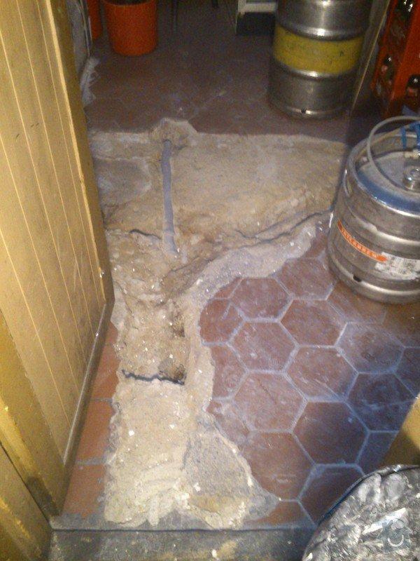 Rekonstrukce záchod,,opravy podlah: DSC_0207