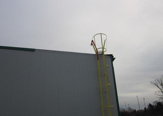 Oprava oplechování střechy na průmyslové hale
