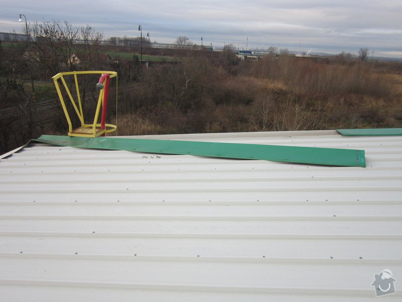 Oprava oplechování střechy na průmyslové hale: IMG_3247