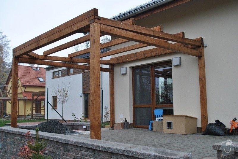 Zahradní altán, 2x dřevěná pergola u novostavby RD Hněvotín: Sloukovi_Hnevotin_07