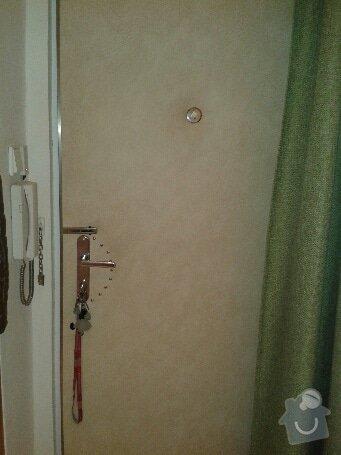 Očalounění bezpečnostních vchodových dveří do bytu: 20131216_100431