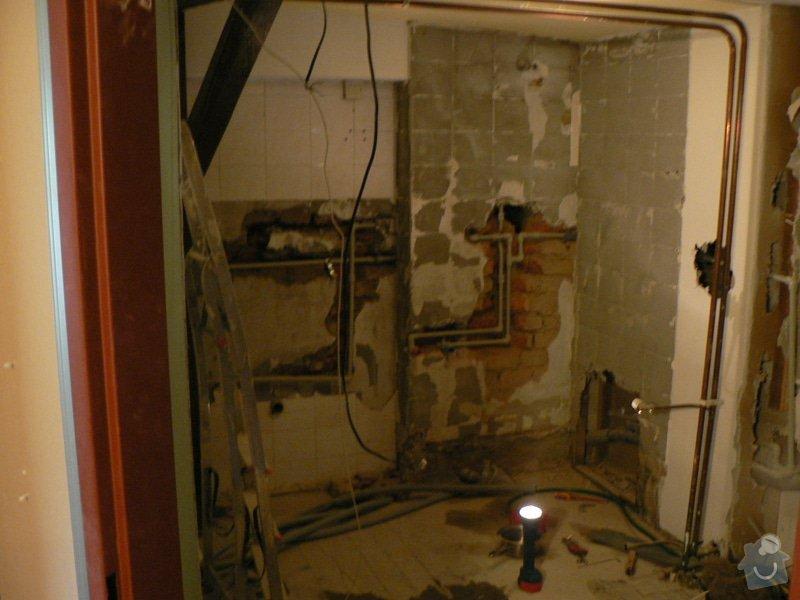 Rekonstrukce koupelny sádrokarton,vana.: P1150274