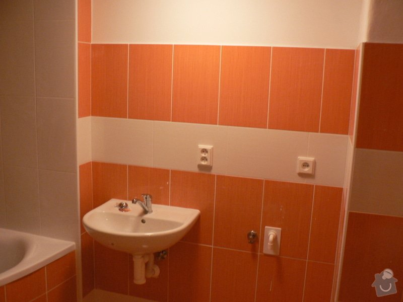 Rekonstrukce koupelny sádrokarton,vana.: P1150408
