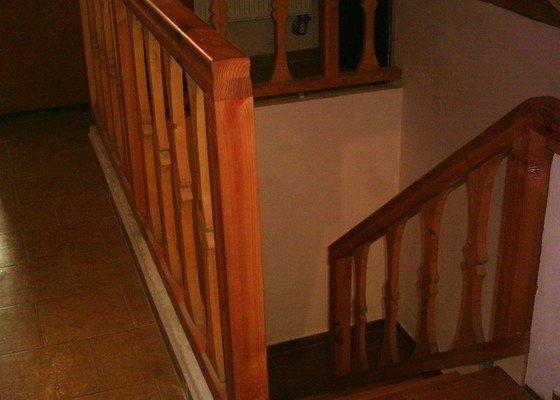 Rekonstrukce schodiště a výroba stylového zábradlí