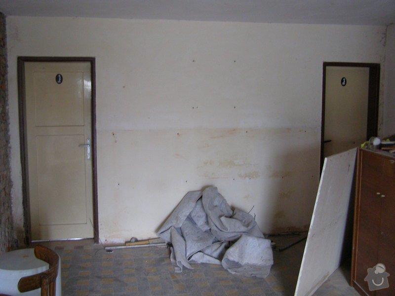 Rekonstrukce kulturního domu - omítání, štukování, stavební a instalatérské práce: P5220097