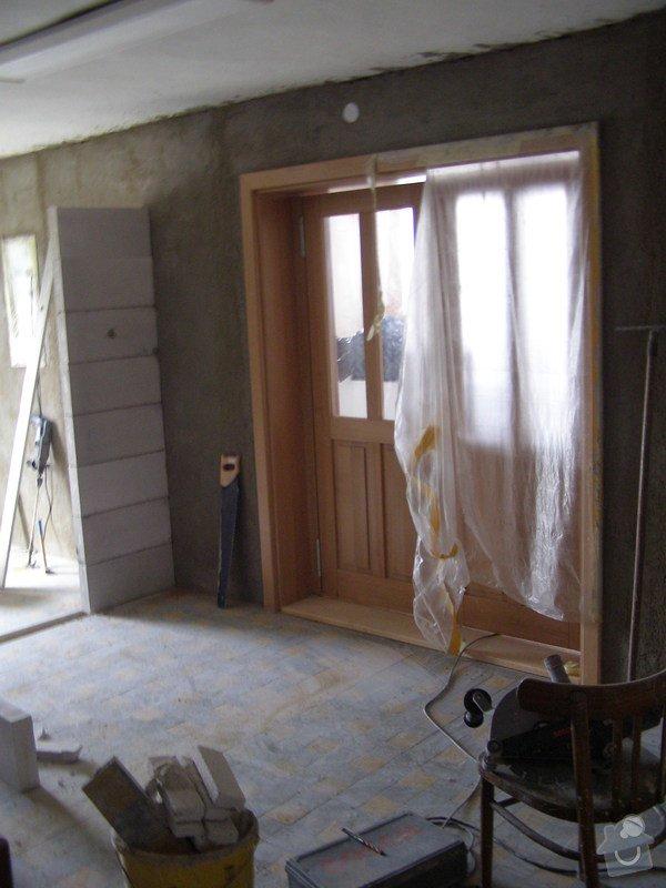 Rekonstrukce kulturního domu - omítání, štukování, stavební a instalatérské práce: P5250111