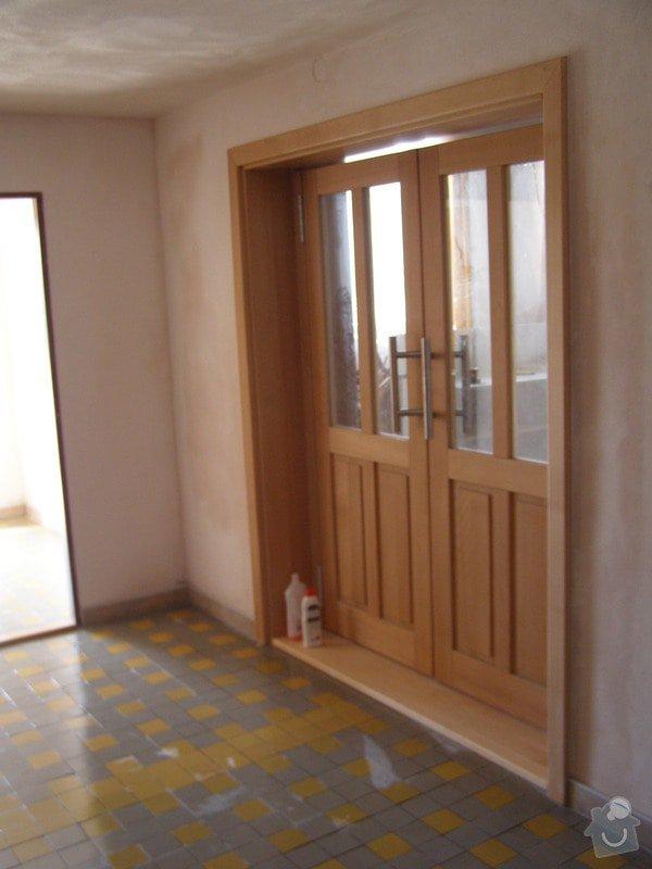Rekonstrukce kulturního domu - omítání, štukování, stavební a instalatérské práce: P6130176