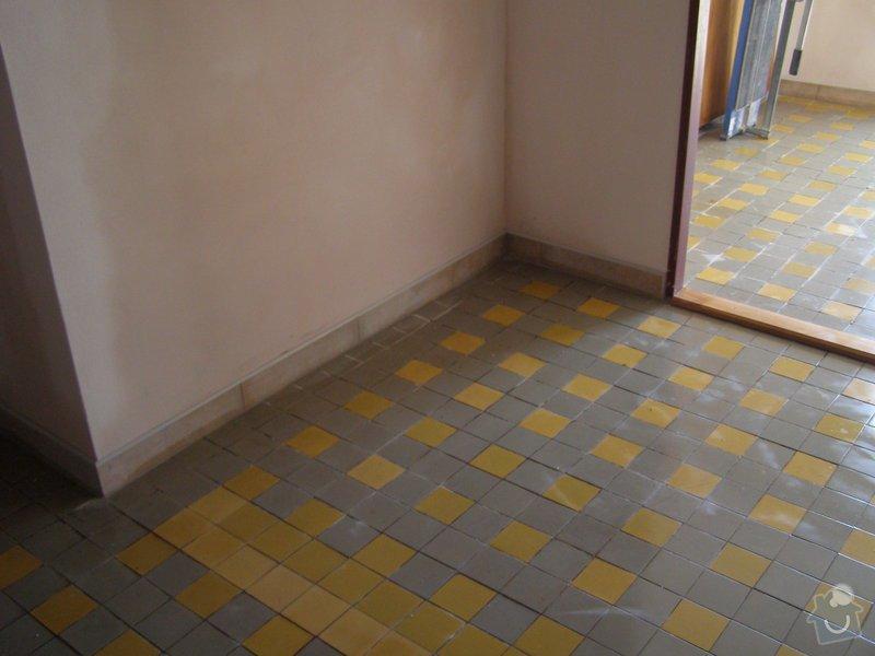 Rekonstrukce kulturního domu - omítání, štukování, stavební a instalatérské práce: P6130189