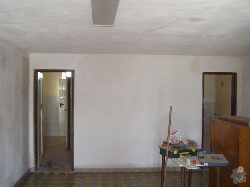 Rekonstrukce kulturního domu - omítání, štukování, stavební a instalatérské práce: P6130191