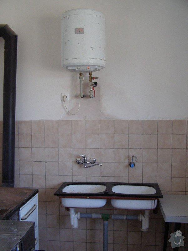 Rekonstrukce kulturního domu - omítání, štukování, stavební a instalatérské práce: P6130194