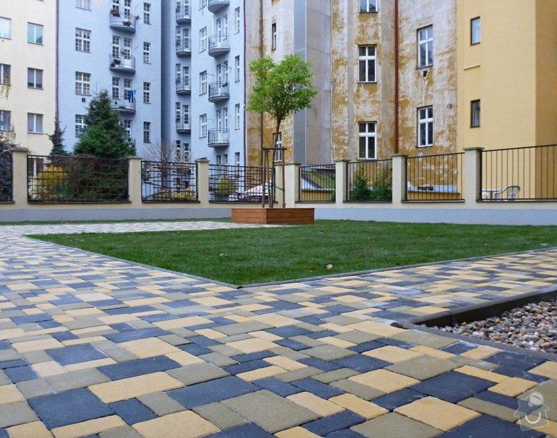 Položení travního koberce a zahradní dlažby (zahrada 440 m2): Zahrada_vnitrobloku_ul.Ovenecka_8_