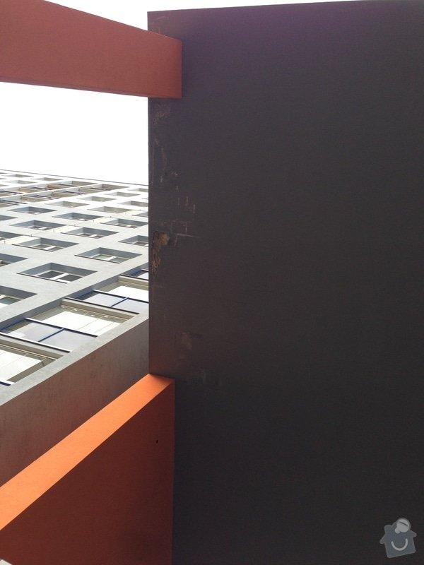 Havarijní oprava odpadního potrubí v průchodu bytového domu ve výšce 12 m.: IMG_2686