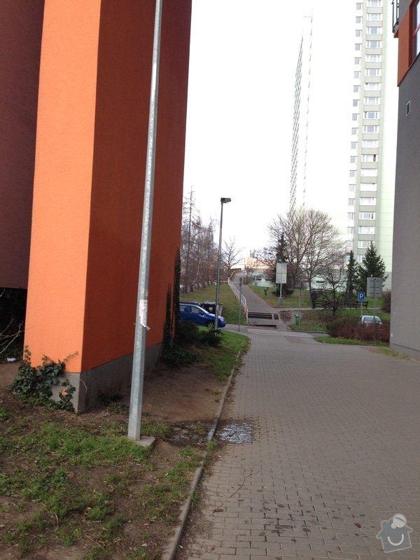 Havarijní oprava odpadního potrubí v průchodu bytového domu ve výšce 12 m.: IMG_2691