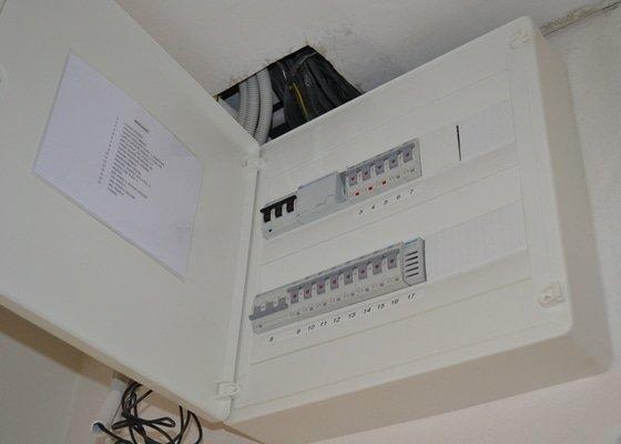 Výměna elektroinstalace v panelovém bytě 4+1