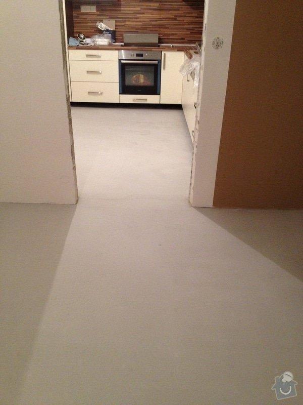 Samonivelační stěrka, pokládka vinylové podlahy.: IMG_1013