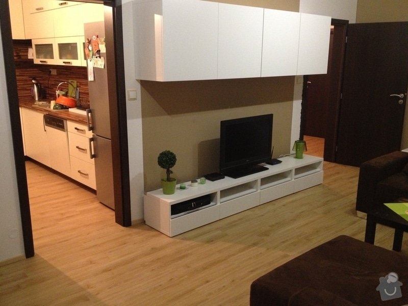 Samonivelační stěrka, pokládka vinylové podlahy.: IMG_1178