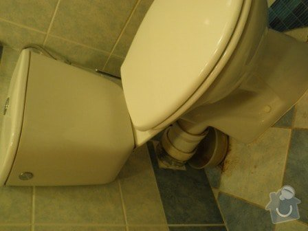 Oprava kapajícího odpadu na záchodě: P1010023
