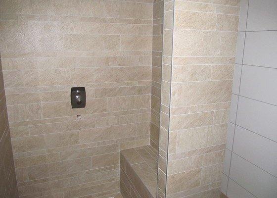 Pokladka podlahy obyvak, obklady koupelny