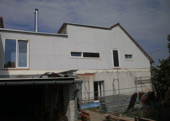Zateplení fasády cca 250 m2
