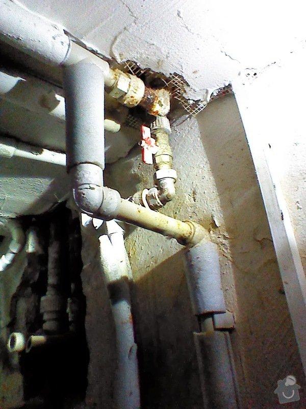 Kapající spoj ve vodovodních trubkách: IMG_20140104_154802