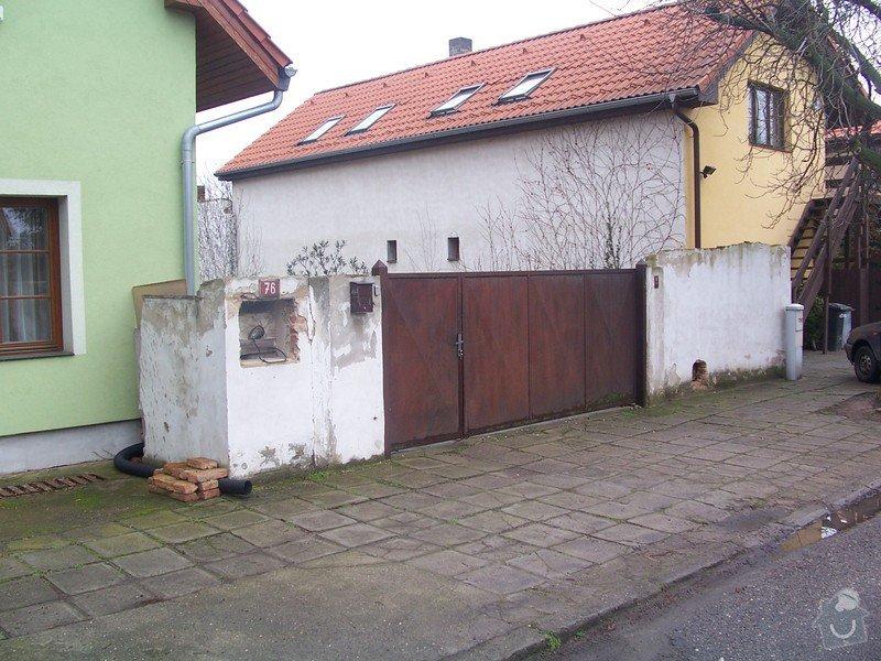 Stavba plotu a vjezdové brány: 100_2157