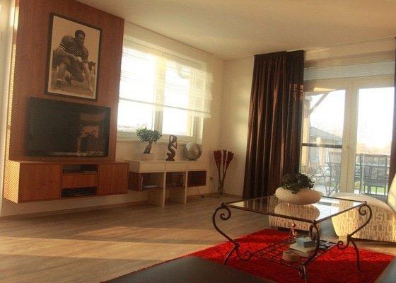 Návrh a realizace obývacího pokoje + home office