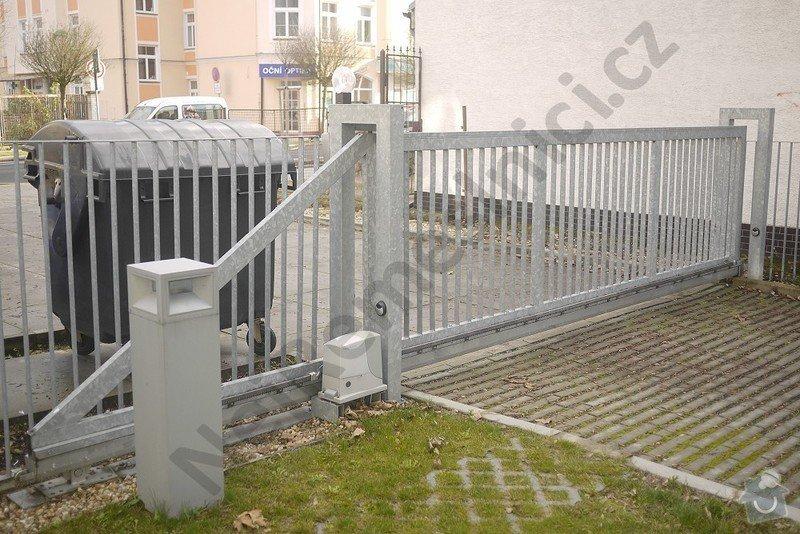Posuvná a křídlová brána, branka, oplocení: VN03