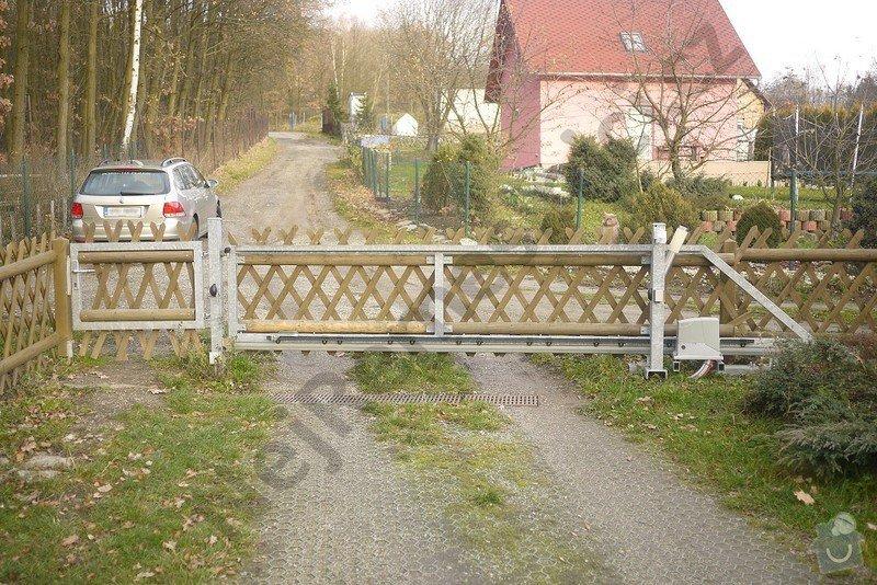 Posuvná brána s pohonem a branka: VN01