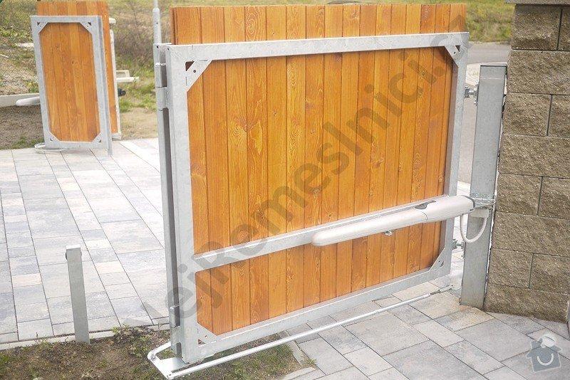 Skládací křídlová brána s pohonem a branka: VN03