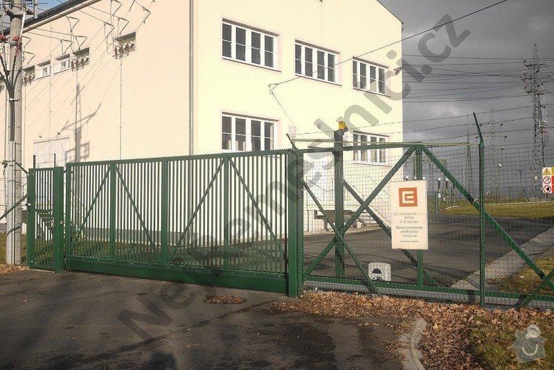 Průmyslová posuvná brána - návrh, dodání, montáže: VN01