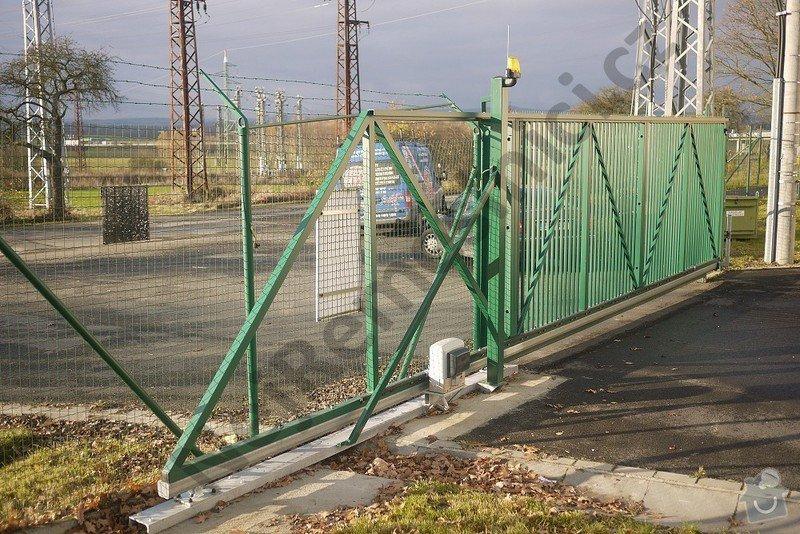 Průmyslová posuvná brána - návrh, dodání, montáže: VN02