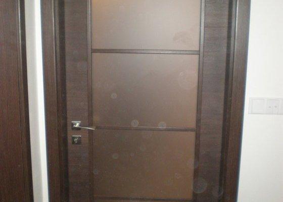 Pokládka plovoucích podlah vč montáže interiérových dveří
